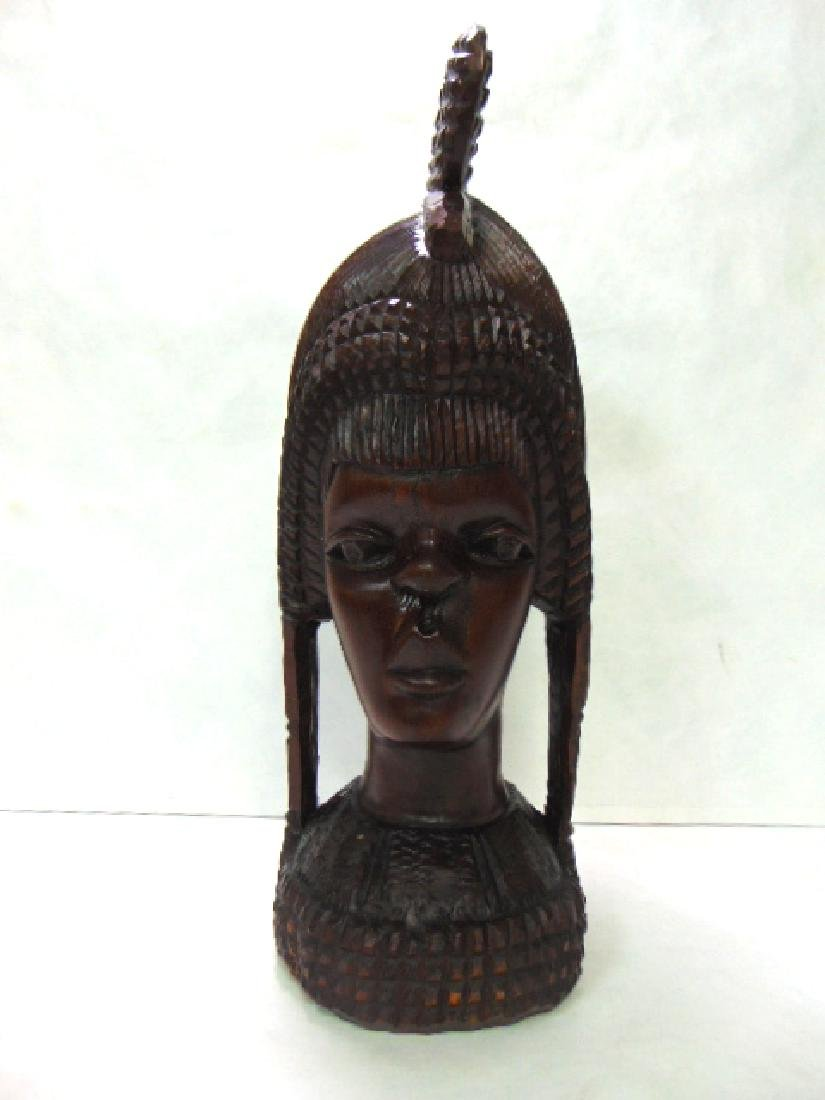VINTAGE ANTIQUE HAND CARVED AFRICAN PRINCESS BUST