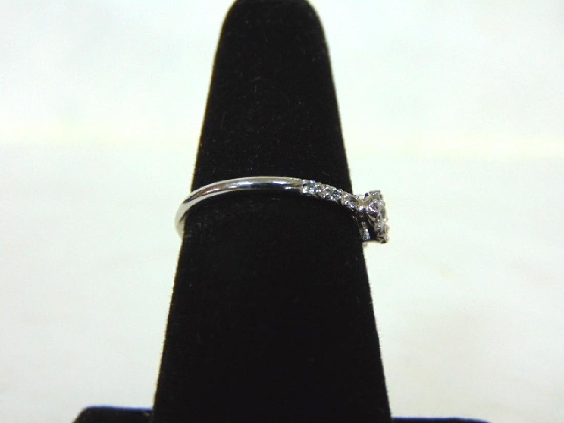 Womens Sterling Silver .925 Ring w/ CZ Stone 1.6g - 2