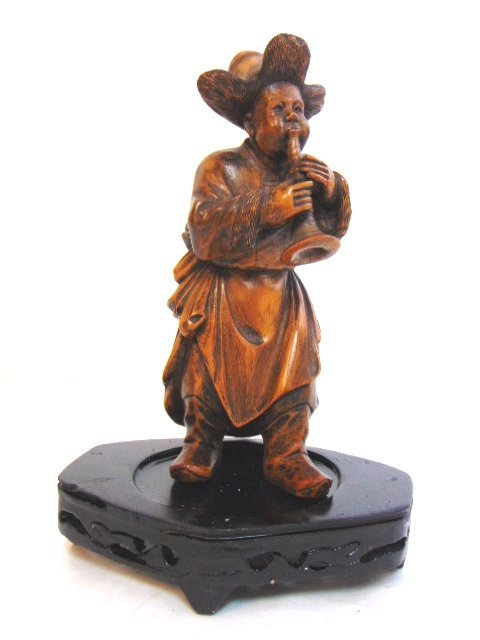 VINTAGE CARVED CHINESE MUSICIAN FIGURE