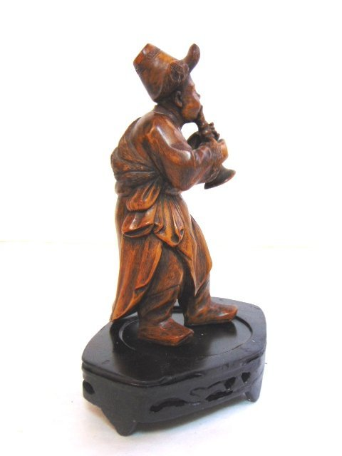 VINTAGE CARVED CHINESE MUSICIAN FIGURE - 4