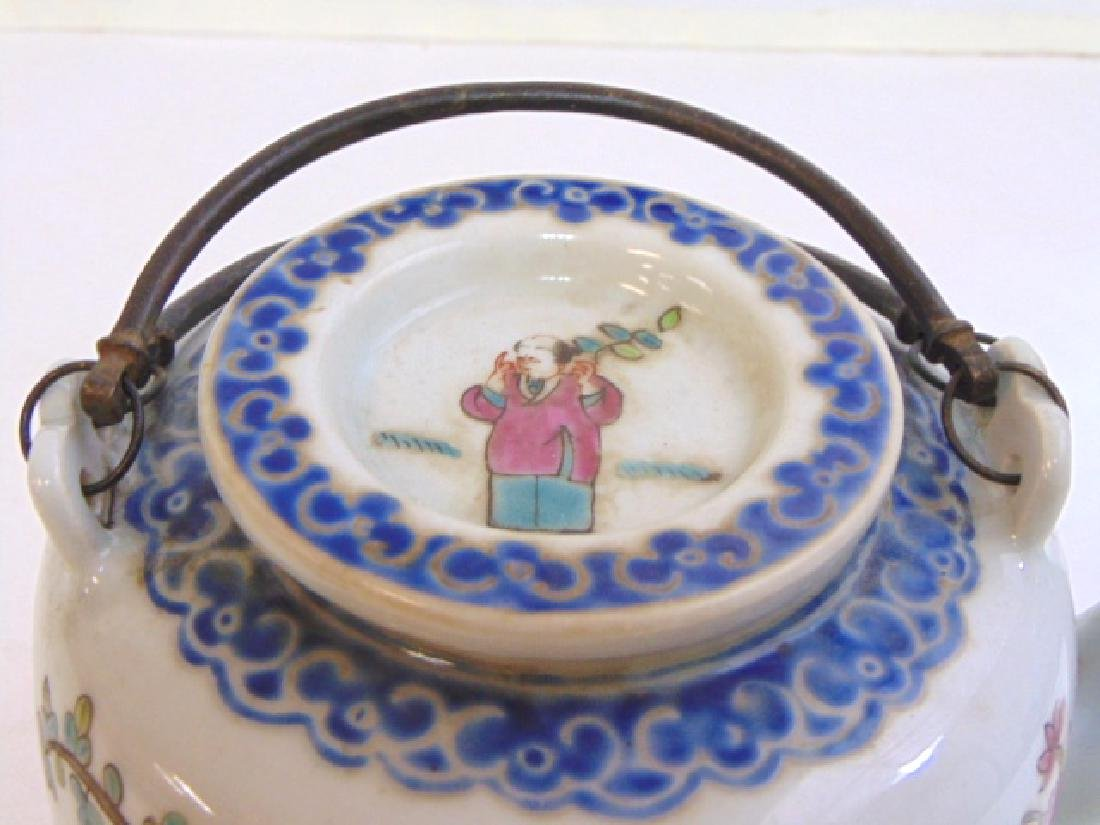 COLLECTIBLE CHINESE PORCELAIN TEAPOT - 5