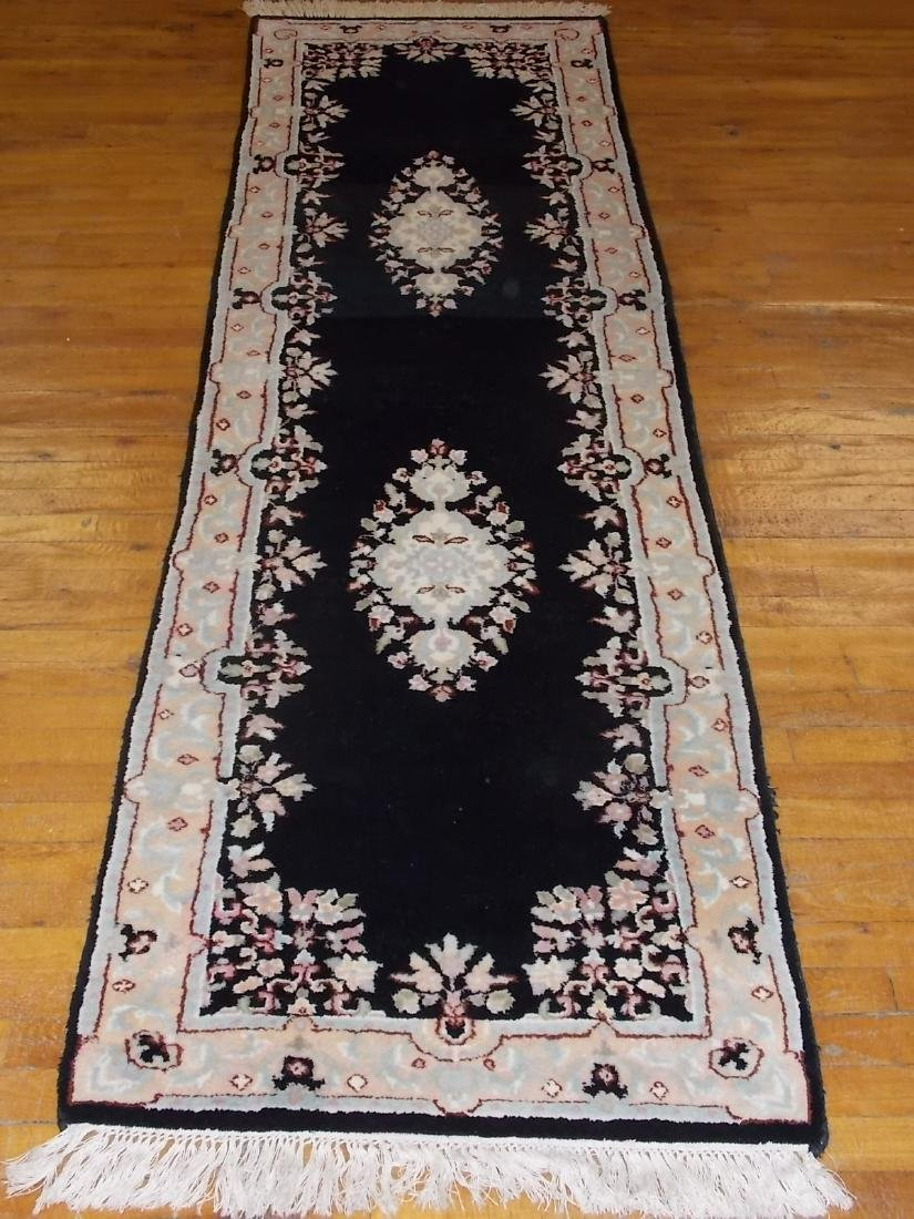 HANDMADE INDIA RUG 2.6 X 8.4 BLACK/PEACH