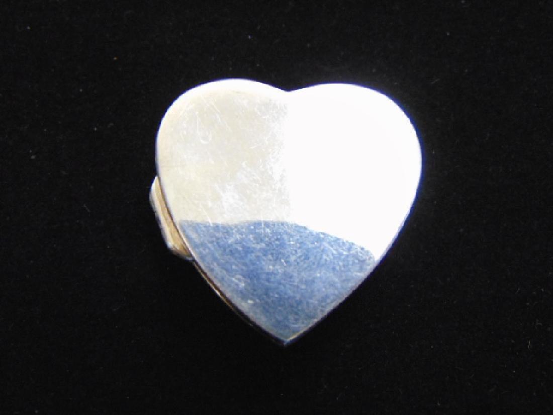 VINTAGE ESTATE STERLING SILVER HEART PILL BOX - 2