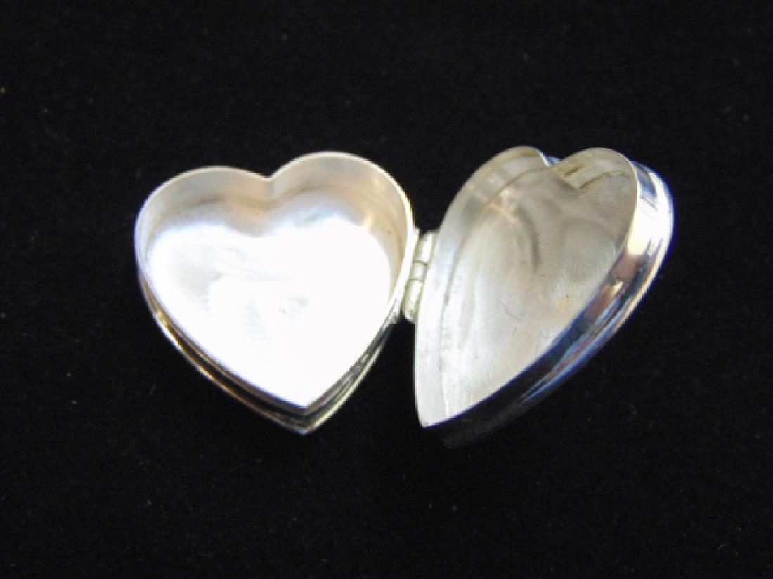VINTAGE ESTATE STERLING SILVER HEART PILL BOX - 3