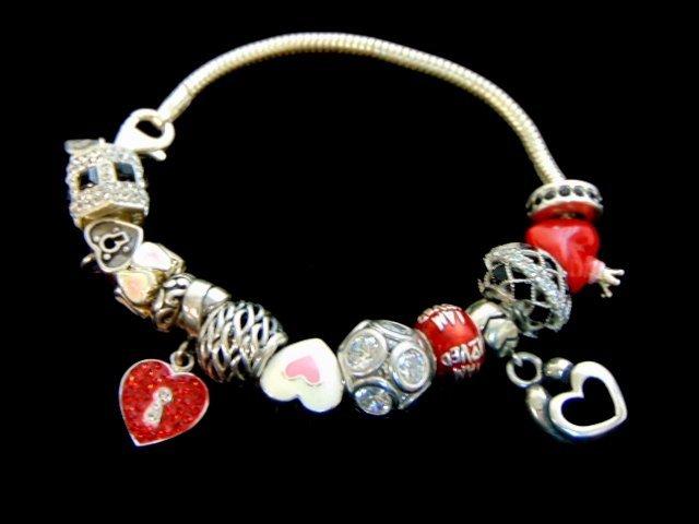 Vintage Estate Sterling Silver Charm Heart Bracelet