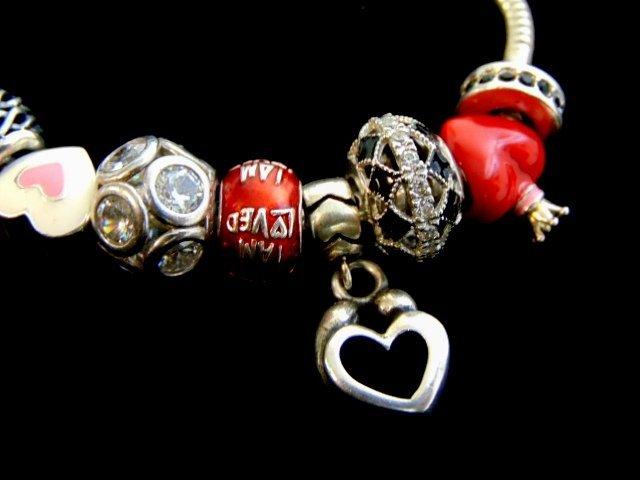 Vintage Estate Sterling Silver Charm Heart Bracelet - 2