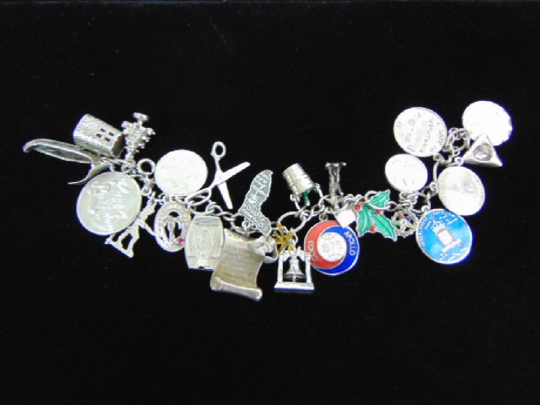 Womens Vintage Estate Sterling Silver Charm Bracelet