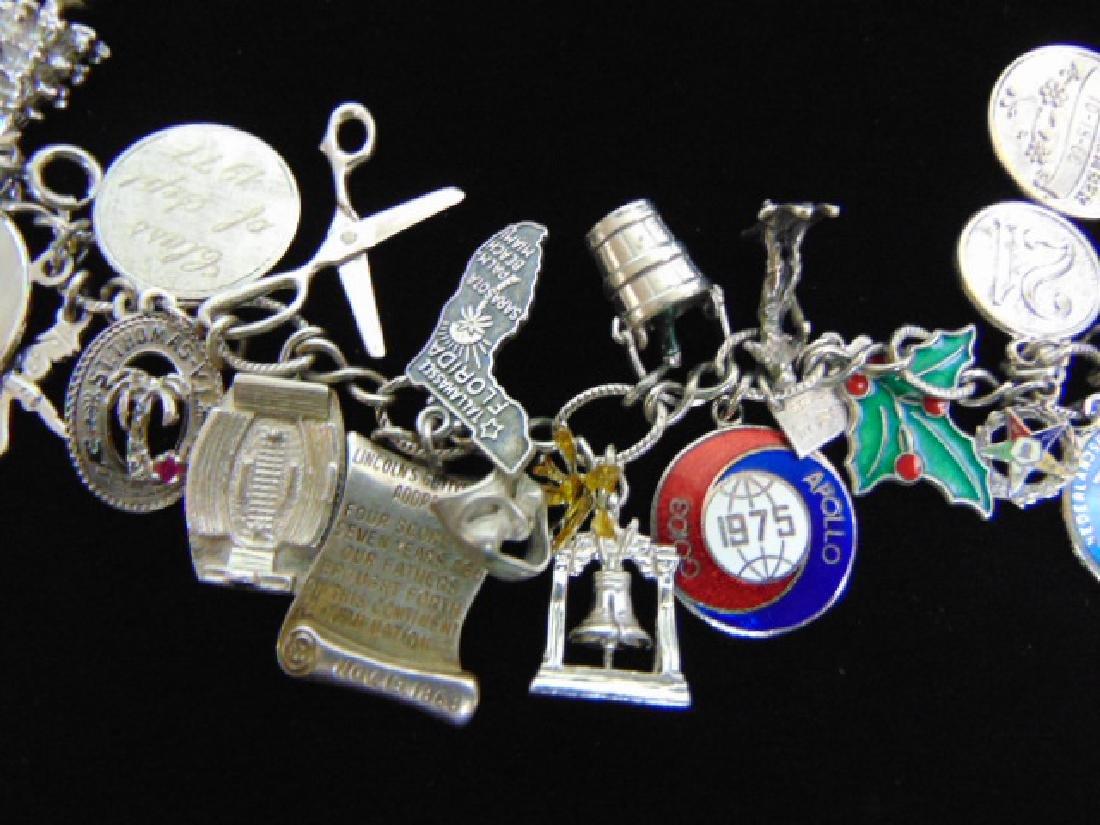 Womens Vintage Estate Sterling Silver Charm Bracelet - 3