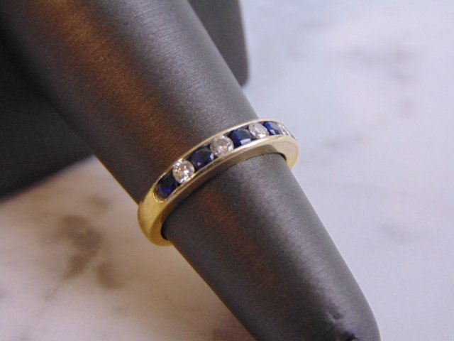 Women's Vintage Estate 18K Gold Diamond & Sapphire Ring