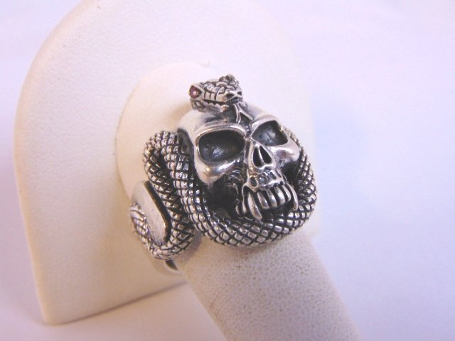 Heavy Vintage Estate Sterling Silver Gothic Skull Ring