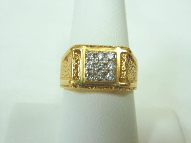 Mens 18K Yellow Gold Ring w/ Diamonds