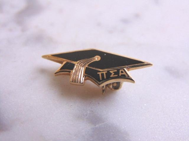 Vintage 10K Yellow Gold and Enamel Graduation Pin