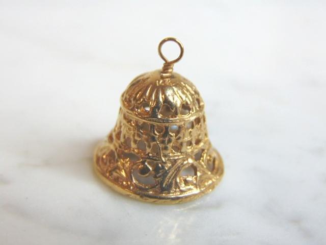 Womens Vintage 14k Gold Bell Pendant Charm Bracelet