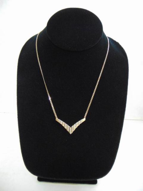 Womens Vintage 14k Gold Necklace w/ Diamond Pendant