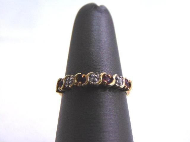 Womens Vintage 10k Gold Ring w/ Garnet & Diamonds