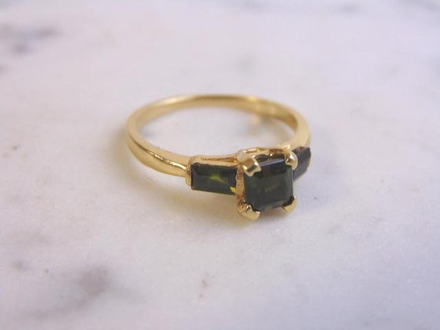 Womens Vintage 14K Gold Ring w/ Emerald Diopside Stones