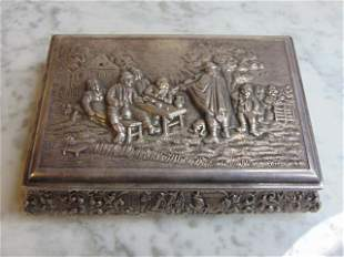 VINTAGE ANTIQUE .900 SILVER REPOUSSE TRINKET BOX