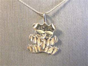 Womens Vintage Sterling Silver Necklace w/ Bear Pendant