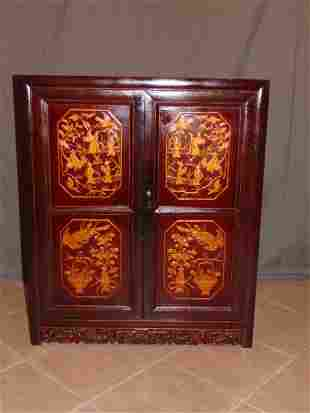 VINTAGE ANTIQUE HAND PAINTED CHINESE CABINET