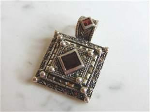 Womens Vintage Estate Sterling Silver Garnet Pendant