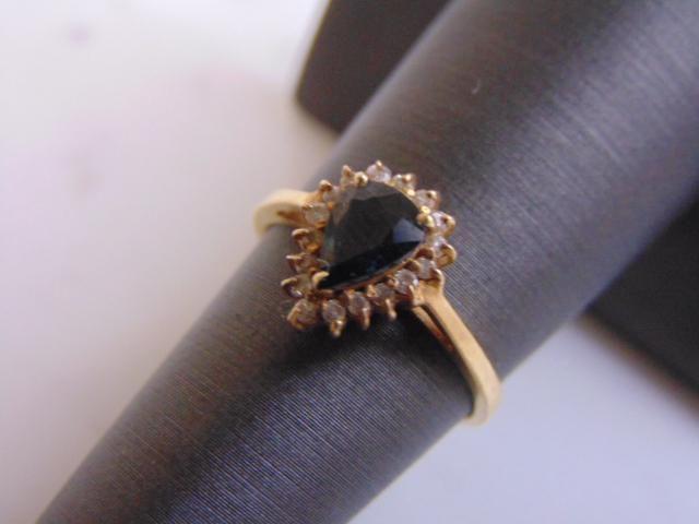 Womens Vintage 14K Gold Blue Sapphire & Diamond Ring