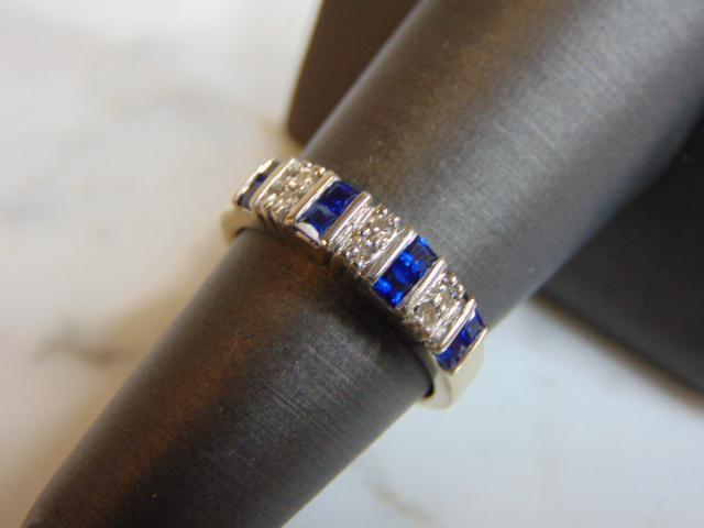 Womens Estate 14K Gold Band Ring w/ Sapphire & Diamond