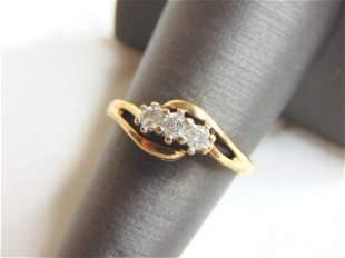 Womens Vintage Estate 10K Yellow Gold Ring w/ Diamonds