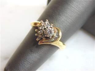 Womens Vintage Estate 10K Gold Heart Ring w/ Diamonds