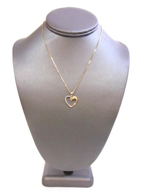 14K Gold Link Necklace W/ Diamond Heart Pendant