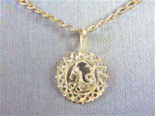 Womens Vintage 14k Gold Necklace w/ Capricorn Pendant