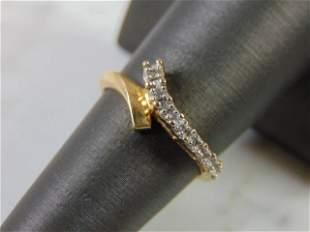 Womens Vintage 10K Yellow Gold Ring w/ Diamonds