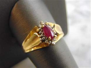 Womens Vintage Estate 14k Gold Garnet & Diamond Ring