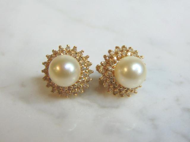 Womens 14K Yellow Gold Earrings W/ Diamonds & Pearls
