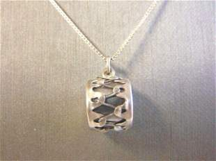 Womens Vintage Sterling Silver Necklace W/ Drum Pendant