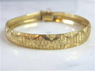 Womens Vintage 10K Gold Italian Herringbone Bracelet