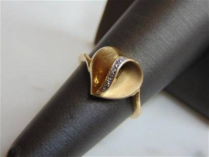Womens Vintage Estate 10K Gold Diamond Heart Ring