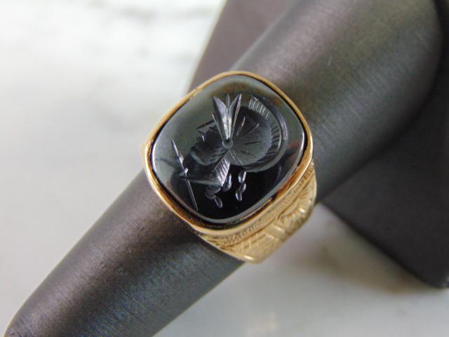 Mens Vintage Estate 14K Gold Roman Soldier Cameo Ring