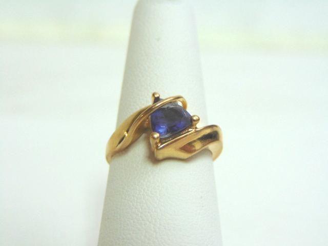 Womens Vintage Estate 10k Gold Ring w/ Amethyst Stone
