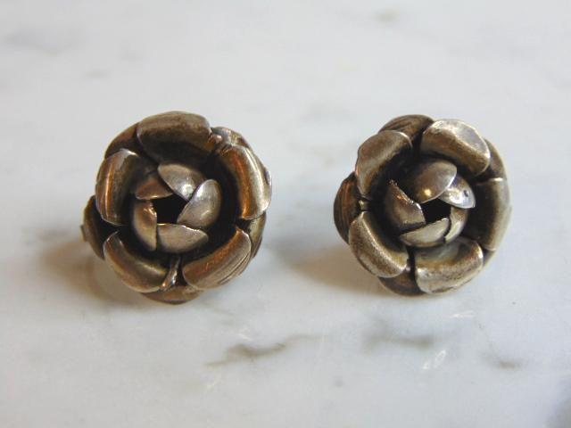 Womens Vintage Estate Sterling Silver Flower Earrings
