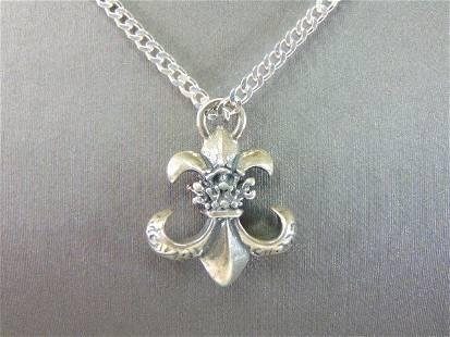 Womens Vintage Sterling Silver Fleur de Lis Necklace