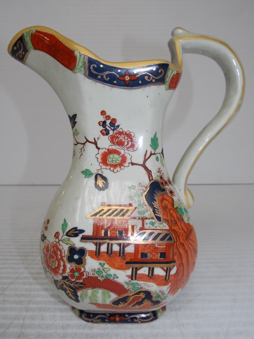 DECORATIVE CHINESE IMARI PORCELAIN PITCHER