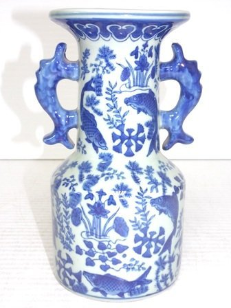 HIGH QUALITY CHINESE PORCELAIN FISH VASE