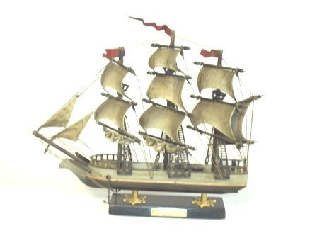 VINTAGE HAND CRAFTED MODEL OF U.S.S. CONSTITUTION