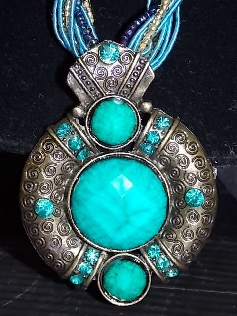 BLUE GREEN GOLD TONE NECKLACE & TURQUOISE PENDANT