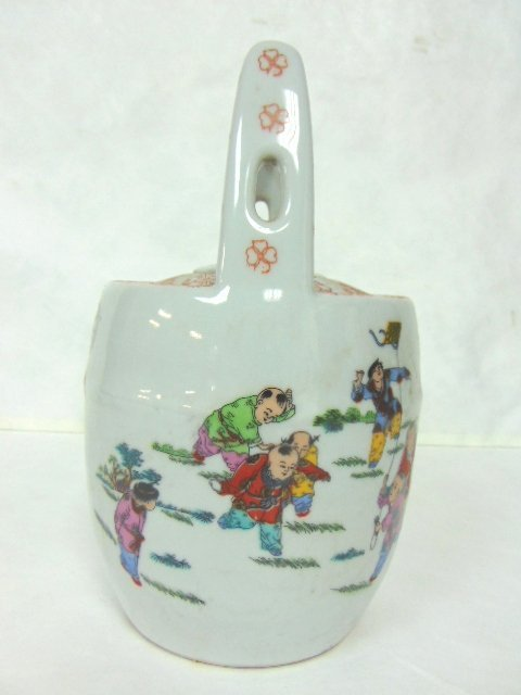 COLLECTIBLE CHINESE PORCELAIN TEAPOT - 3