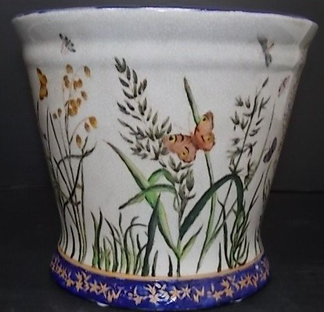 DECORATIVE FLORAL BUTTERFLY PLANTER POT