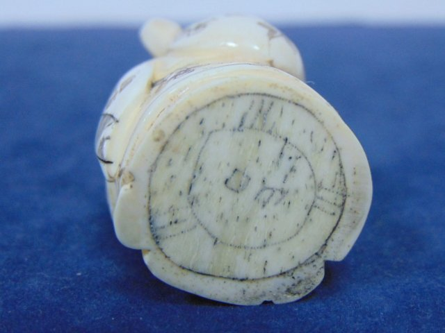ANTIQUE CHINESE NATSUKE IVORY CHINESE IMMORTAL BUTTON - 5