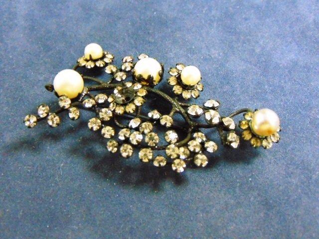 Vintage Estate Brooch w/ Rhinestones & Faux Pearls