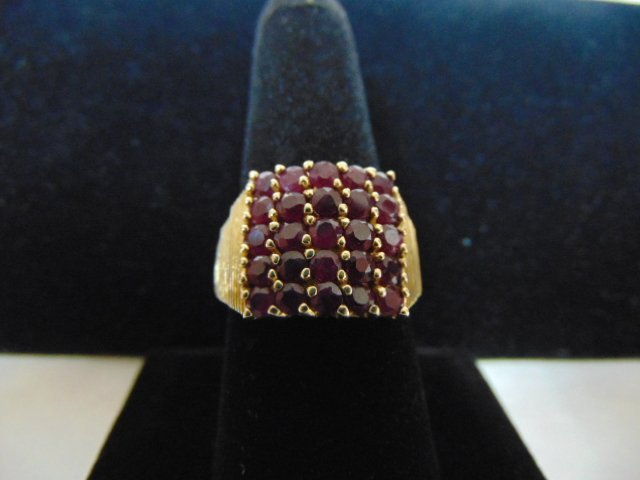 14k Yellow Gold Ring w/ Garnet or Ruby ? Stones