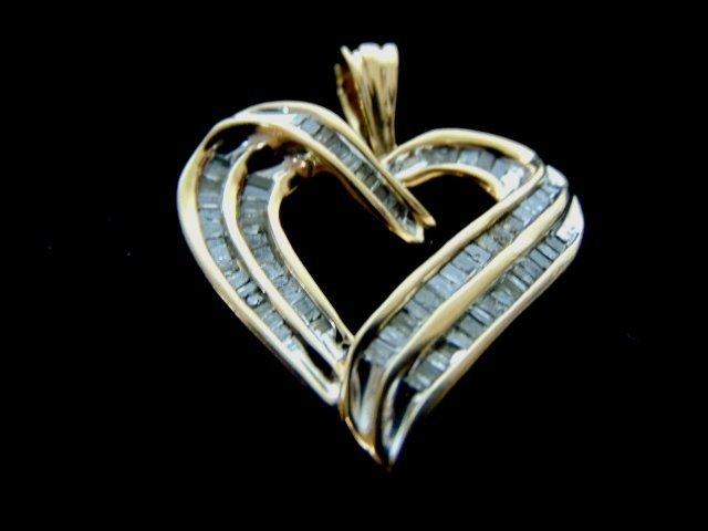WOMENS VINTAGE ESTATE 10K GOLD HEART DIAMOND PENDANT